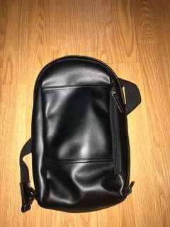 Sling bag / waist bag