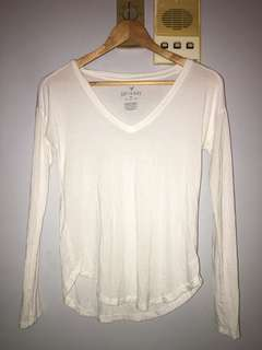 American Eagle V-Neck Long Sleeve