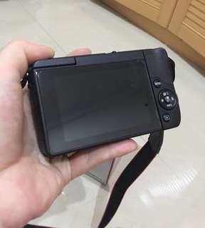 kamera canon m10