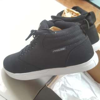 Black School Shoes Precise - Sepatu Sekolah Keren