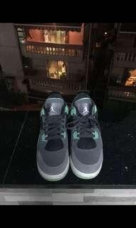 Air Jordan IV green glow