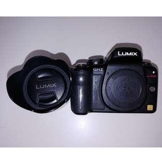 Panasonic Lumix GH2 with 14-42 OIS Lens