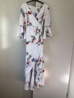 🌸Floral white flare sleeve maxi dress | Size 12