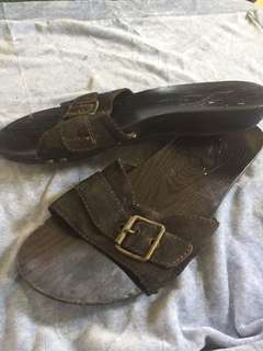 Old Navy wooden slippers