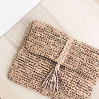 HELLY STRAW POUCH