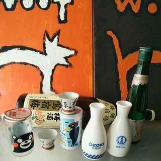 🚚 【LoveloVe】日本早期清酒大関白色牛奶玻璃(陶瓷)清酒壺各一只