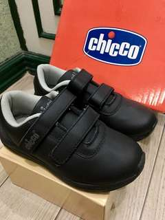 Chicco black velcro shoes (boys)