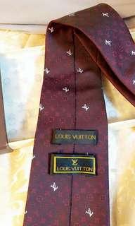 LV Tie