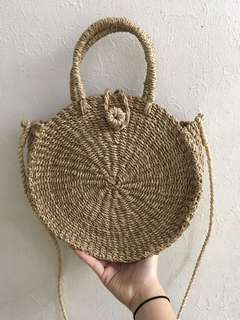 "Round Abaca Slingbag in Natural (10.5"")"