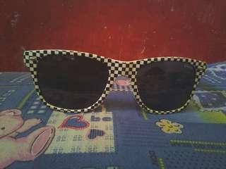 Kacamata checkerboard
