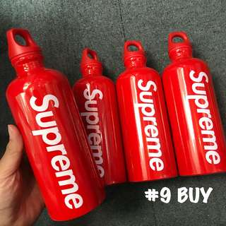 《 Supreme 18SS Week 3 》 . Supreme®/SIGG™ Traveller 0.6L Water Bottle