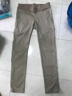 Spring maternity stretchable chino pants (size s)