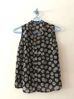 Daisy Print Sleeveless Top