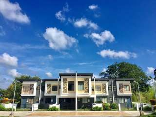 Town house Tanza cavite