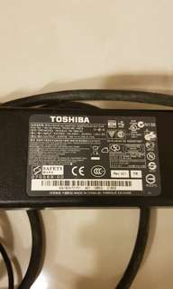 Toshiba laptop adaptor