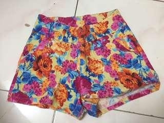Floral shorts (highwaist)