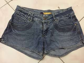 maong shorts (denim)