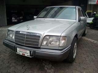 Dijual Merc. Benz E 320 Manual