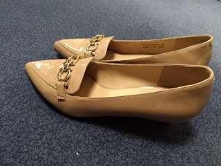 DAPHNE 粉藕色低跟鞋24.5楦頭大