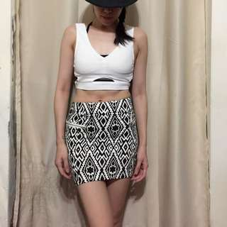 🚚 (190以下3件350)復古黑白幾何圖形前短後長窄裙