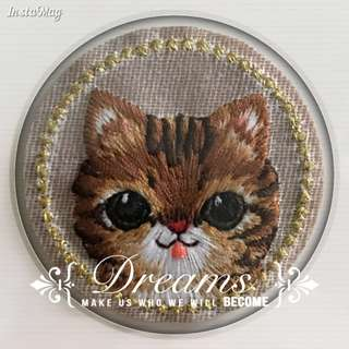 Bn badge iron on patch/cat Embroidered round iron on patch