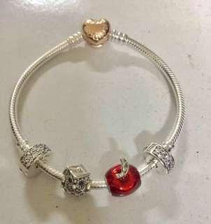 Pandora charm (Disney snow white's apple)