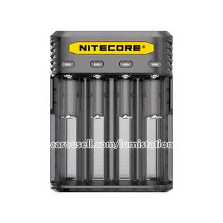 NITECORE Q4 Quick Charge 26650 20700 21700 18650 14500 18350 16340 Charger - BLACK / CLEAR colour