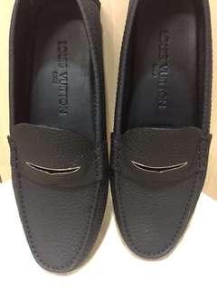 Authentic Men's Louis Vuitton shoes