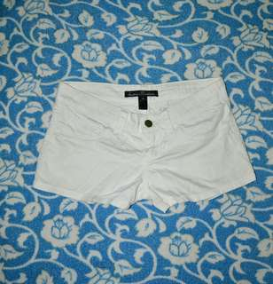 Low waisted white shorts