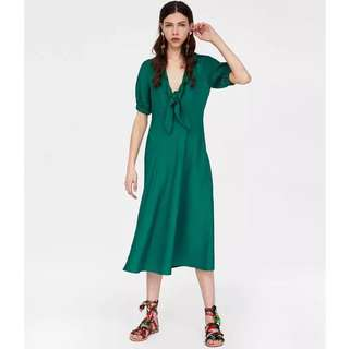 🚚 Europe and the United States wind knot V-neck dress retro green dress
