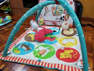 Preloved Skip Hop funky farmyard animal activity gym / playmat