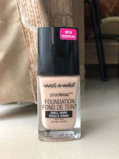 Wet n' Wild Photofocus Foundation shade Shell Ivory