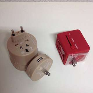 *BNIB* Compact Travel Adaptor With USB