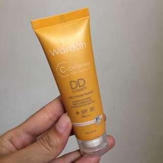 Wardah DD Cream Light
