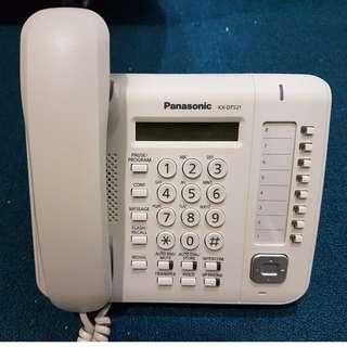 4 x Panasonic KX-DT521 (Used)