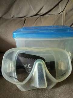 Oceanic Diving Mask