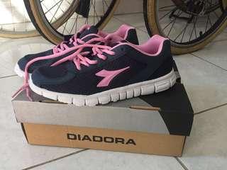 [Reprice] Diadora Running Shoes/Sepatu Lari Wanita