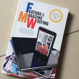 Buku Feature & magazine writing