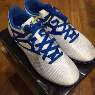 Adidas MESSI Court Shoes (Grade 3, 15.3)