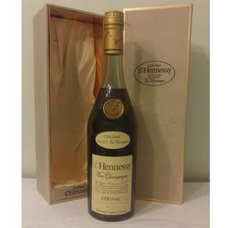 (628) 約80年代 Hennessy VSOP 700ml 40% (禮盒裝) 日本法國舊酒洋酒威士忌白蘭地干邑拿破崙whisky brandy cognac xo vsop napoleon