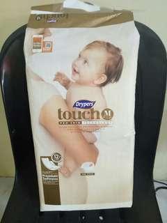 Drypers touch premium 40pcs size medium