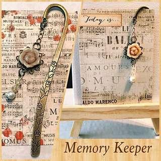 Handmade Bookmark Charm - Vintage Rose