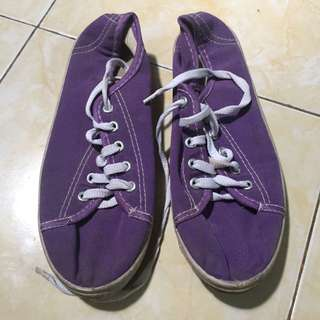 Sepatu Kets