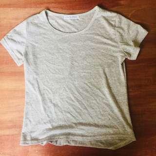 🚚 涼爽淺灰白短袖T恤