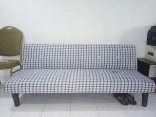 Sofa bed masih kondisi baru dan bagus, jarang bgt dipakai