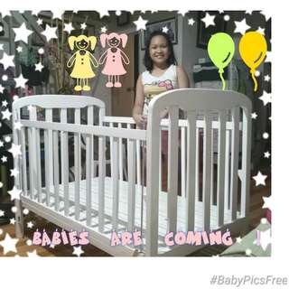 Baby crib for twins