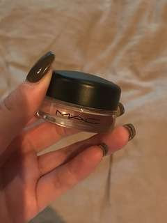 MAC pro longwear paint pot - soft ocre
