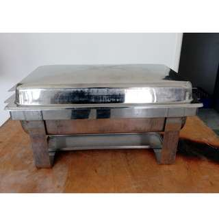 Catering stuffing dish