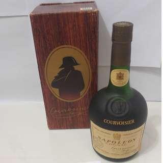 (031) 約60年代 courvoisier napoleon 700ML 40% (有盒) 日本法國舊酒洋酒威士忌白蘭地干邑拿破崙whisky brandy cognac xo vsop napoleon