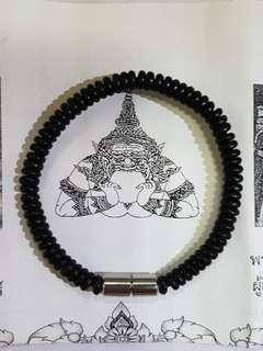 Wat Sisathong one eye coconut bracelet